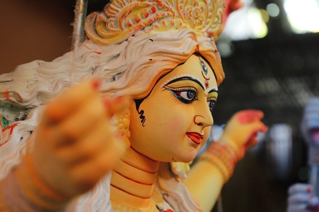 ব্যতিক্রমী দুর্গাপুজো : মহানবমীতে শূকর বলির প্রথা রয়েছে এখানে